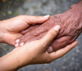 help-the-elderly-people